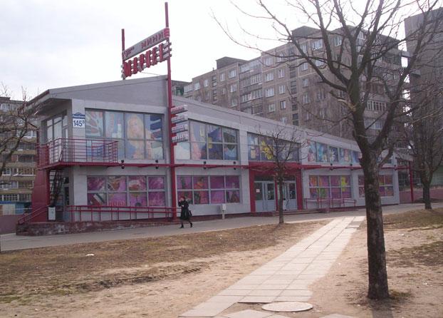 Торговый центр выполненный из быстровозводимых конструкций